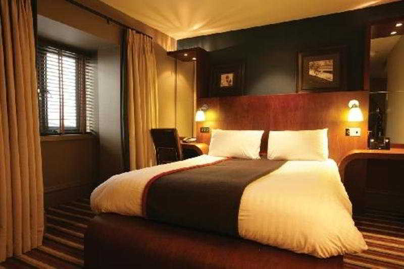cazare la Village Newcastle - Hotel & Leisure Club