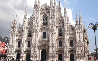 Mos Craciun te trimite la Milano cu numai 89 euro! Cumpara cuponul de 49 RON si platesti numai 89 euro/pers - 3 zile cazare in Milano la Hotel New Moon Resort 3*** + mic dejun + transport avion + CADOU - taxa aeroport