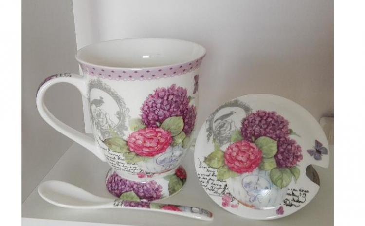 Cana Florala Cu Infuzor Pentru Ceai  La Doar 39 Lei In Loc De 79 Lei