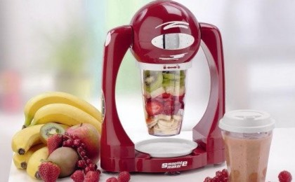 Smoothie Maker - Aparatul revolutionar care transforma, mixeaza in cateva secunde si prepara cele mai delicioase amestecuri de fructe, creme sanatoase si bogate in vitamine! Totul la doar 106 RON in loc de 199 RON