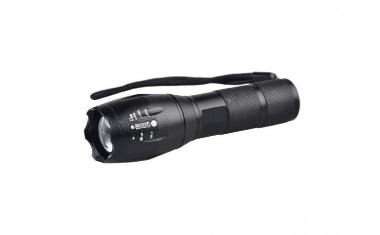 Lanterna LED X900