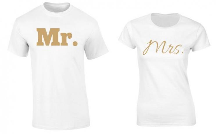 Set de tricouri pentru cupluri Mr./Mrs. Gold, la 99 RON in loc de 200 RON