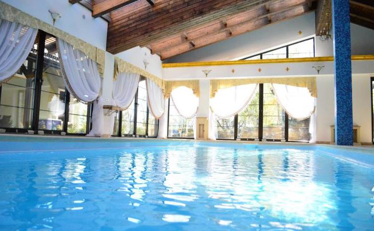 Petrece 4 zile intr o zona linistita in apropierea for Cazare bran cu piscina