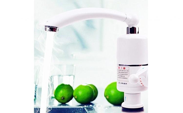 Robinet electric pentru apa calda