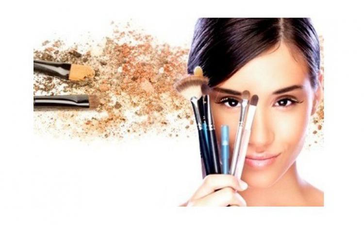 Curs make-up: cum sa te machiezi corect