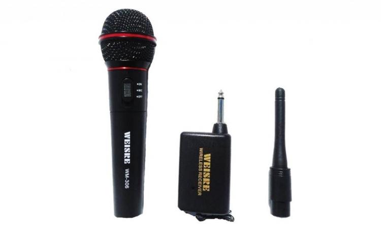 Microfon Cu Fir Si Wireless  La Doar 47 Ron In Loc