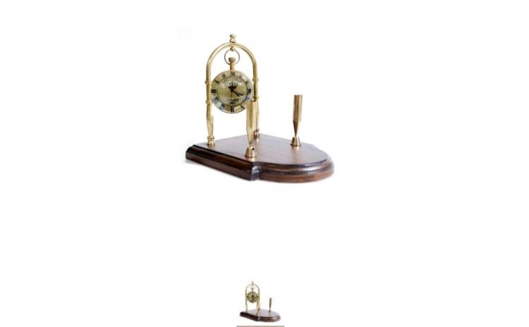 Ceas de birou cu suport pentru pix