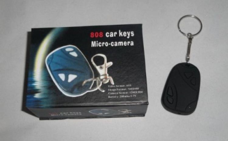 Camera ascunsa in telecomanda auto
