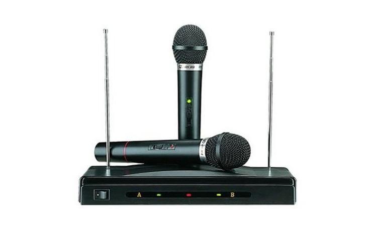 Set 2 microfoane wireless cu receiver