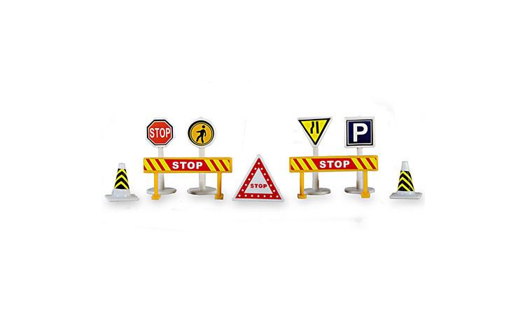 Set 10 indicatoare rutiere de jucarie.