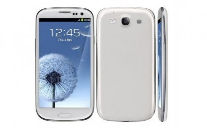 Replica fidela la telefonul anului! Cumpara cuponul de 59 RON si ai Samsung Galaxy S III, ecran 4.7 inch, camera 8 MP, procesor Cortex A9 1GHZ, Android 4.04 ICHS la numai 699 RON in loc de 1899 RON