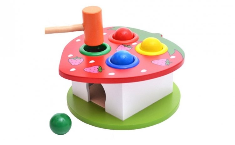 Jucarie Montessori cu ciocanel si bile