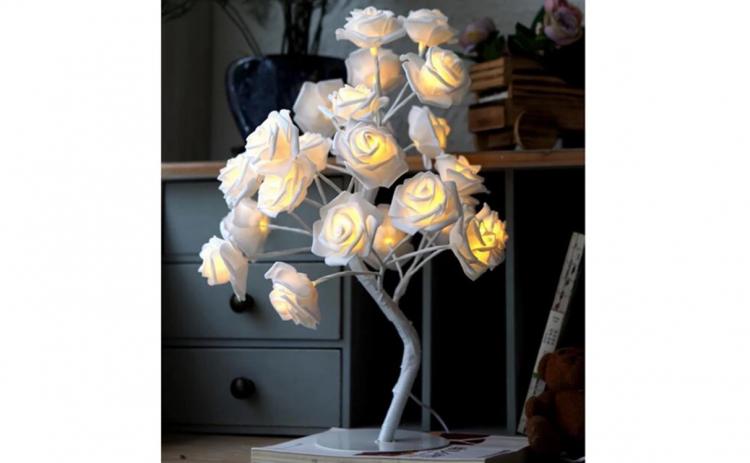 Instalatie tip Copac cu trandafiri