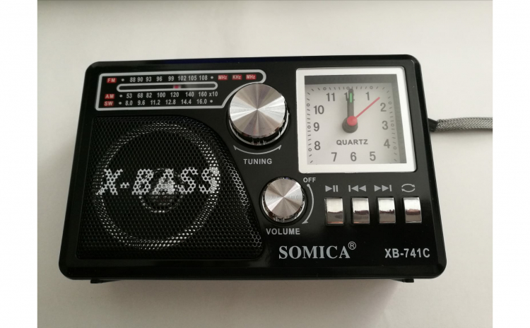 Radio portabil cu ceas
