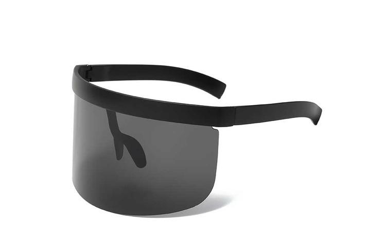 Ochelari de soare supradimensionati