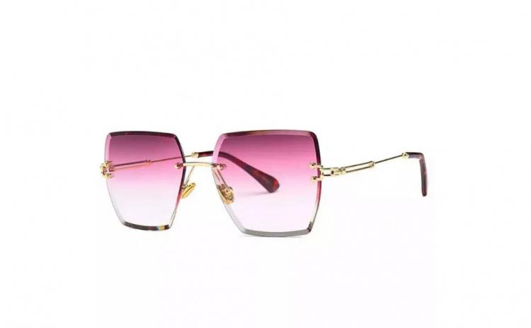 Ochelari de soare Jennifer, Roz