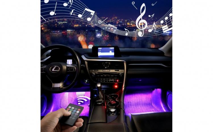 Lumina ambientala auto