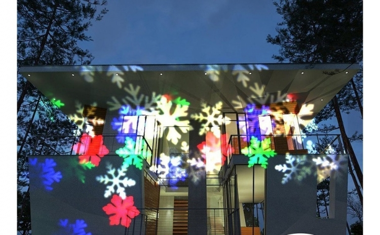Proiector exterior cu fulgi + Cadou: Instalatie brad 100 LED-uri