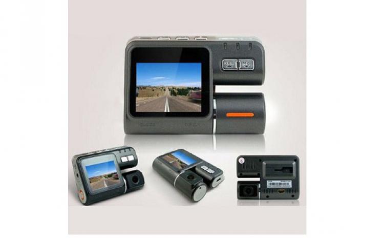 Camera auto HD DVR pentru masina ta