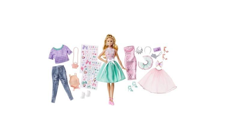 Set de moda cu papusa. Barbie.