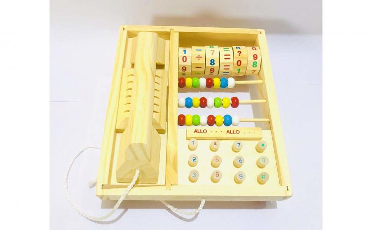 Telefon de jucarie din lemn