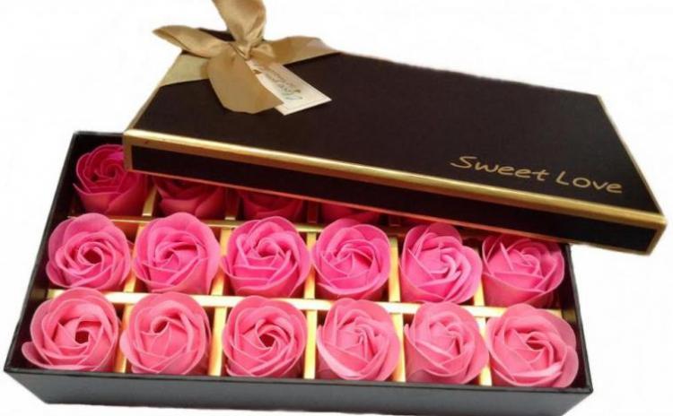 Set petale de trandafiri din sapun
