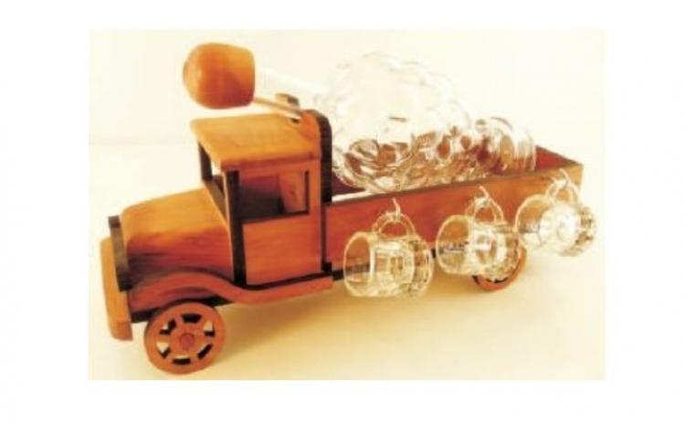 Minibar lemn cu pahare si sticla