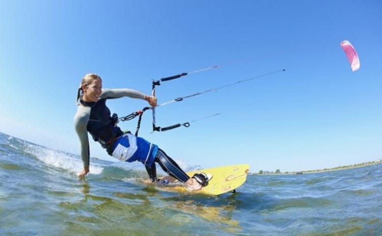 Adrenalina la Marea Neagra - Kitesurfing