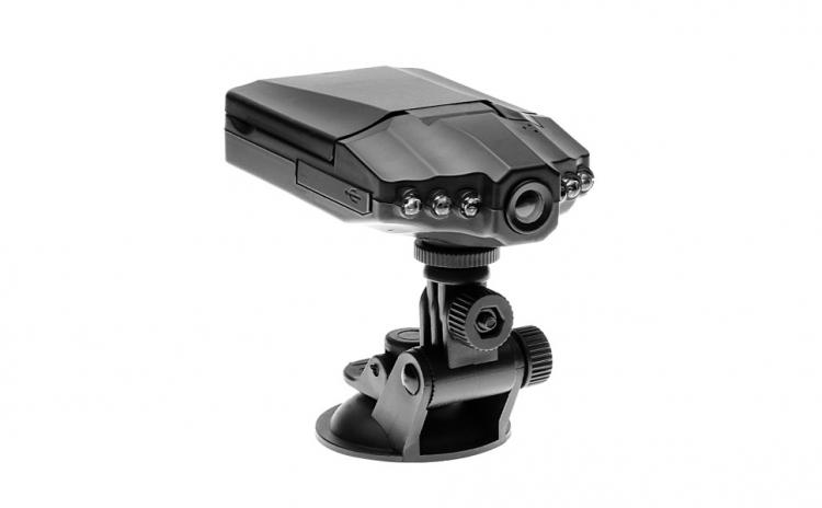 Camera Auto E-boda Dvr1001 Hd, La 100 Ron In Loc De 200 Ron