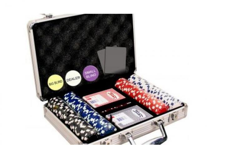 Set Poker / Zaruri servieta metalica
