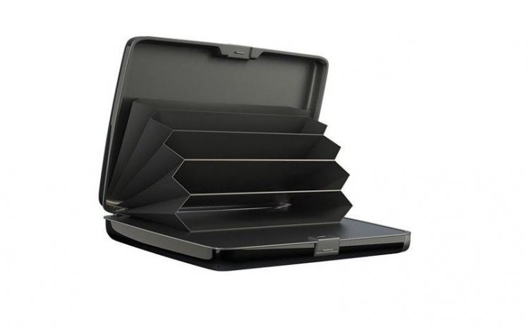 Imagine indisponibila pentru Baterie externa cu functie de port card