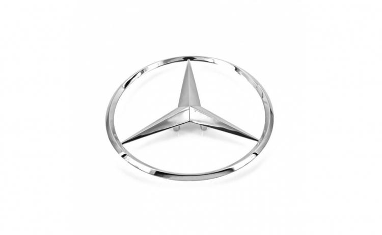 Emblema Mercedes Benz, montare spate
