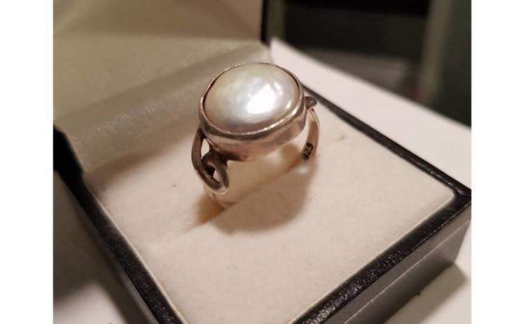 Inel din Argint decorat cu perla