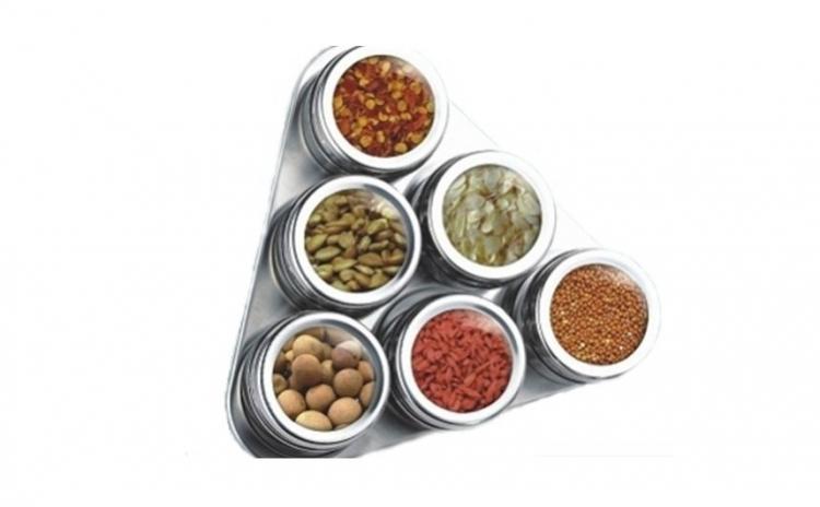 Set 6 Recipiente Pentru Condimente Pe Suport Magnetic La Doar 59 Lei In Loc De 120 Lei