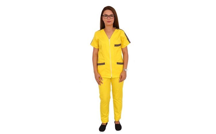 Costum medical cu motive traditionale,