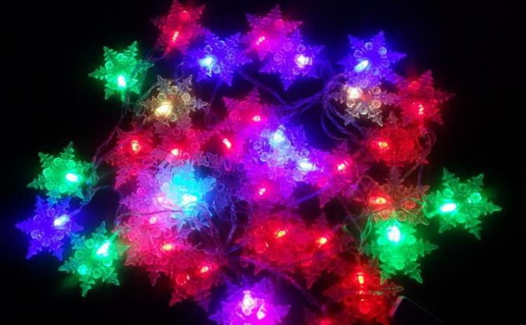 Instalatie LED fulg de nea