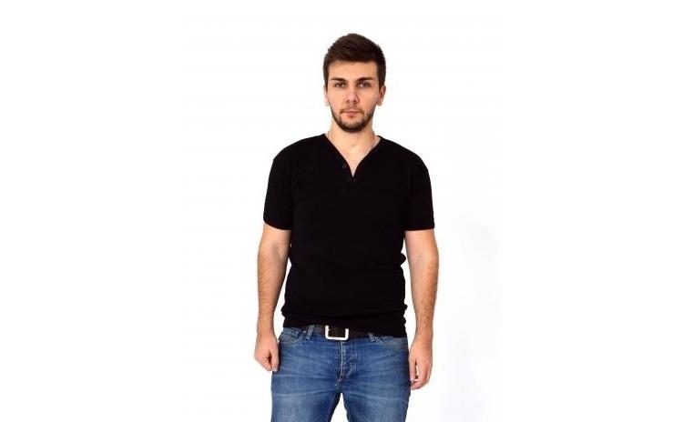 Tricou barbatesc negru cu anchior larg