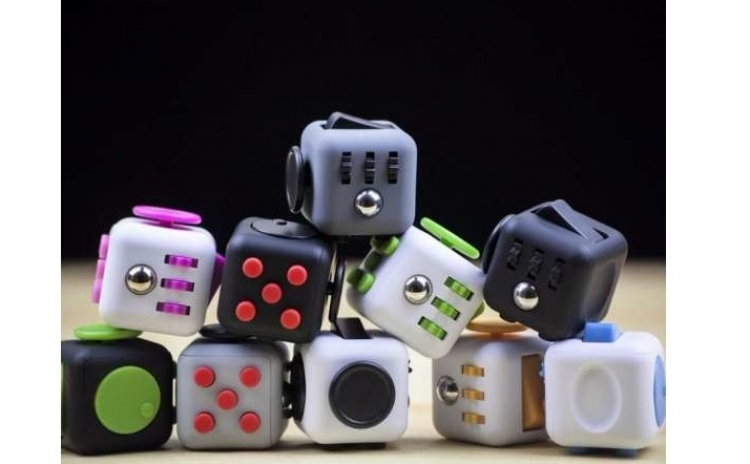 Imagine indisponibila pentru Cub antistres - Fidget Cube