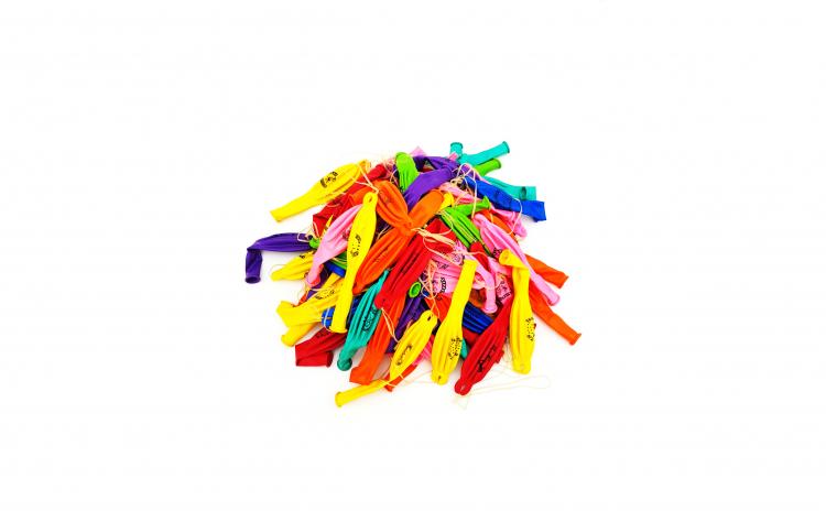 Set 100 baloane colorate (punch) cu snur