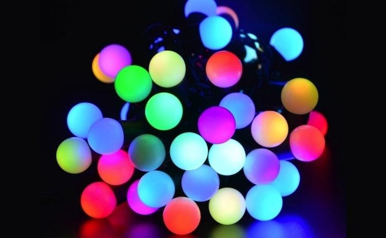 Instalatie interior 100 LED colorate