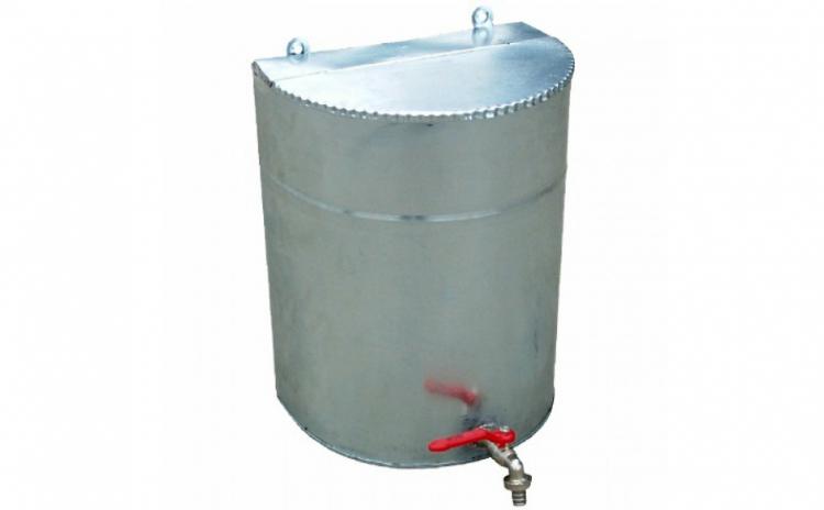 Rezervor zincat cu robinet pentru curte