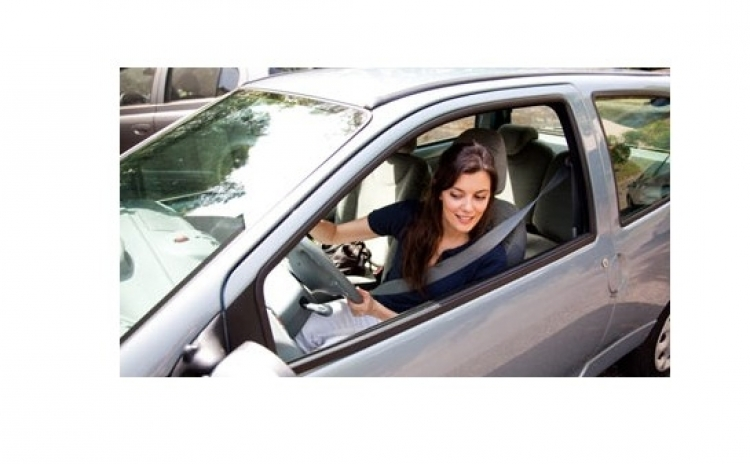 Senzori de parcare cu avertizare vocala!