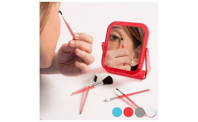 Oglinda cu pensule pentru machiaj