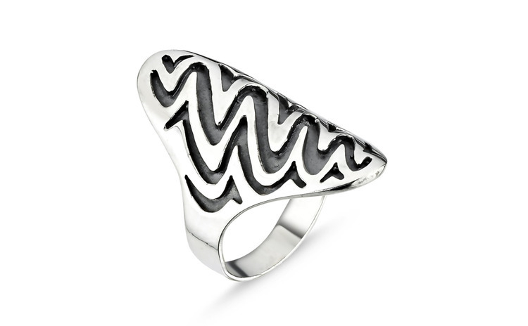 Inel argint simplu decorat prin oxidare