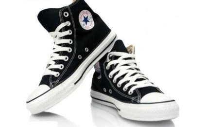Tenisi gheata Model Converse All Star, din panza, diverse culori, la 99 RON in loc de 240 RON. Marimi disponibile 36 - 44