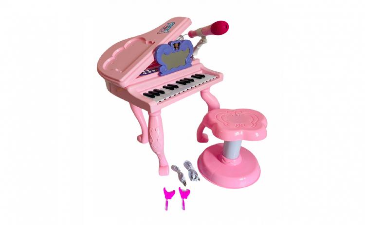 Pian cu scaun si microfon, roz