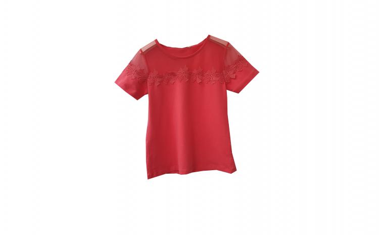 Tricou Rosu cu tiul transparent