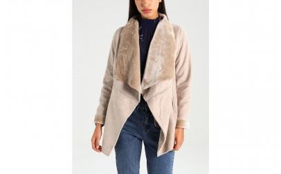 Jacheta din piele intoarsa