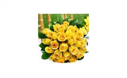 Buchet 25 trandafiri galbeni mici
