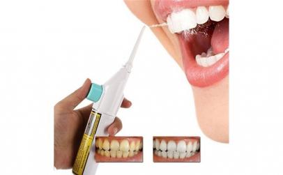 Irigator bucal pentru curatare dentara